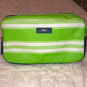 Scout toiletry bag